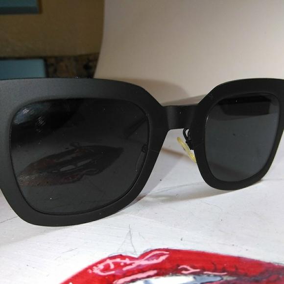 2dac5ed8c51 Celine Black womans Square Sunglasses new style